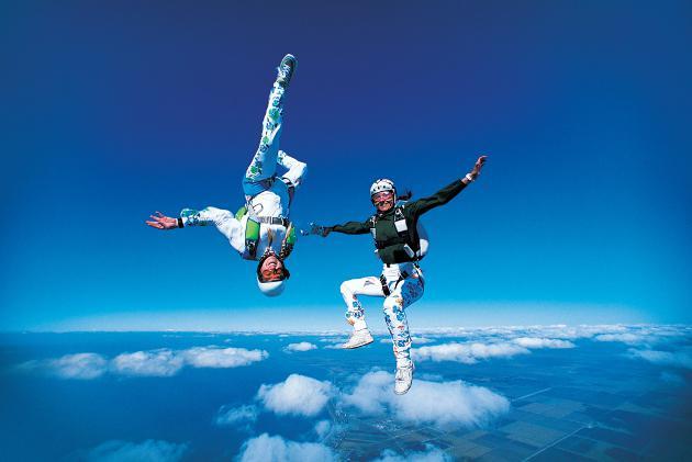 cómo funciona un paracaídas