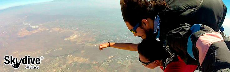 Primer salto en paracaídas lentes